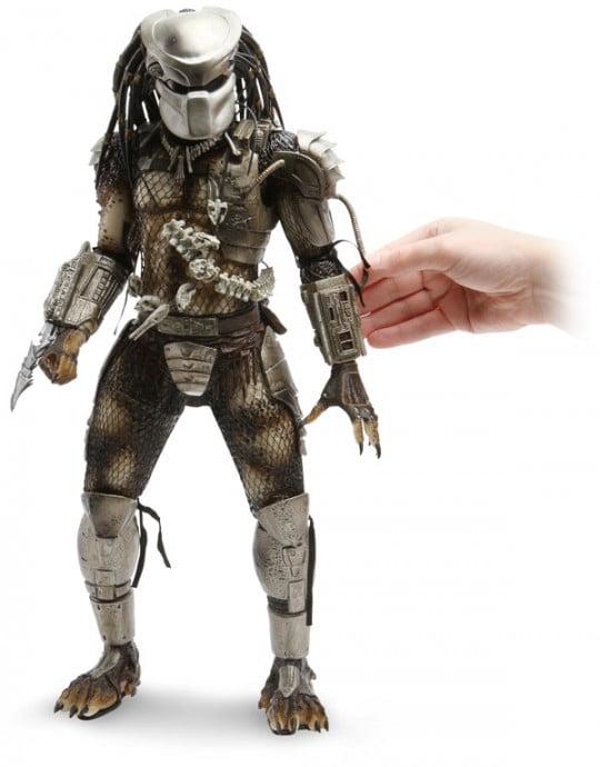 Deluxe-Predator-Action-Figure