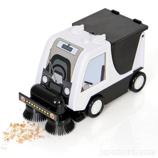 Road-Sweeper-Desktop-Vacuum-Cleaner-Gadgets