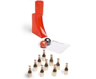 Miniature desktop bowling set