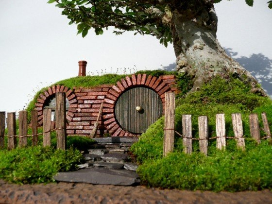 Post image for Lord of the Rings Bag End Bonsai Tree