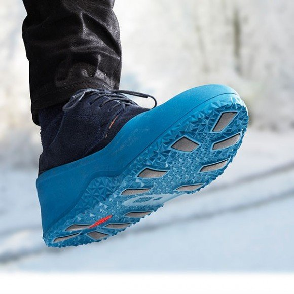 Post image for Nordic Grip Galoshes: Easy Slip-On Shoes for Icy Conditions