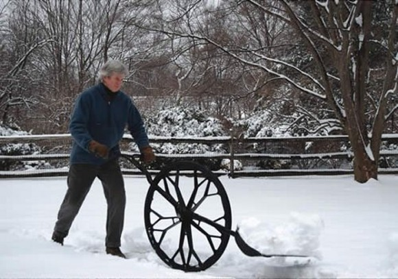 Post image for Wheeled Snow Shovel: No More Back Pains