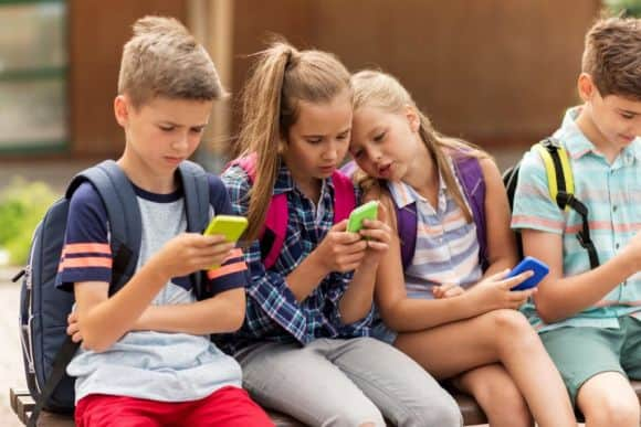 Post image for 5 CONSEQUENCES OF TECHNOADDICTIONS AND THE USE OF PARENTAL MONITORING APP FOR ANDROID
