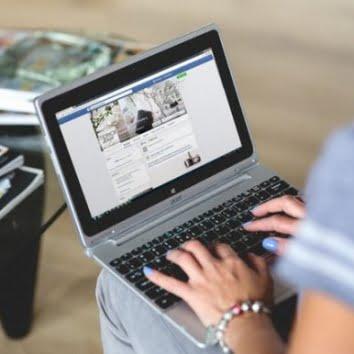 facebook laptop e1520873846992