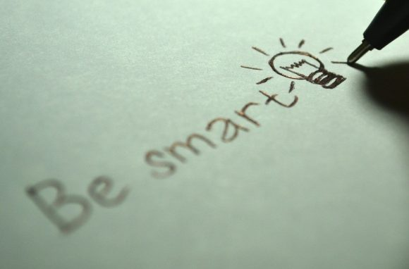 Post image for 5 Reasons to Use a Smart Bulb for Lighting Your Smart House