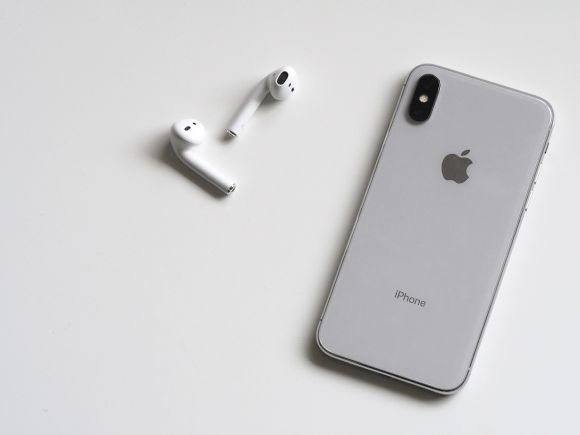 Post image for Which is the Better Phone: The iPhone X or iPhone 8?