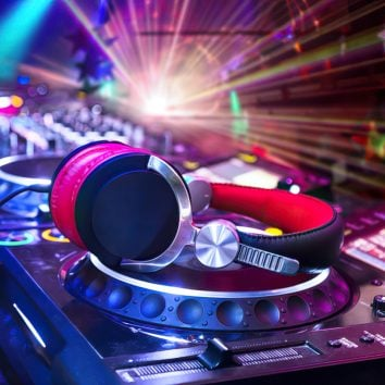 selecting dj equipment enlarged