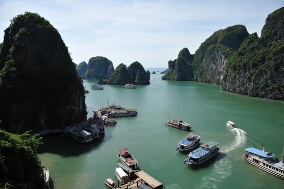 ha long bay vietnam upscaled
