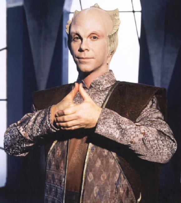 Babylon 5's Lennier hand signal